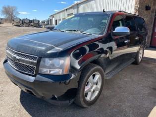 Auto-Chevrolet-Suburban